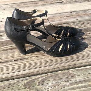 Naturalizer Shoes - Black Naturalizer heels